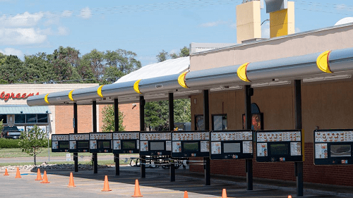 Employers try to combat Kansas labor shortage in restaurants